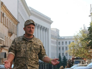 Мэра Конотопа, пришедшего пешком к президенту, встретил кордон полиции