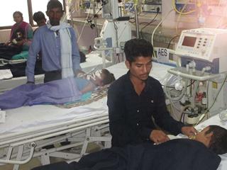 От нехватки кислорода в Индии скончались уже 60 детей