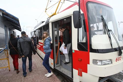 Скоростной трамвай на Троещине: пока без скорости и пассажиров.