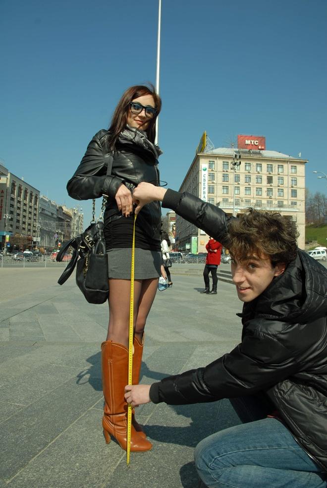 фотогалереи студентки в мини юбках и трусиках чулках и колготках