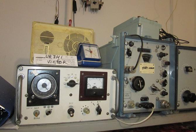 Радиолюбители паяют раритеты, используют Луну и контактируют с Антарктидой