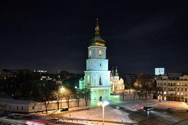На софийской площади и откроют каток