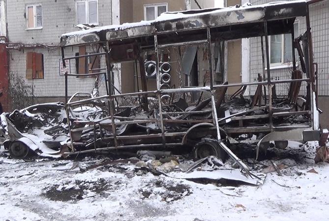 В Донецке сутки звучат взрывы