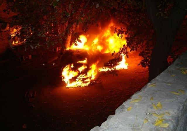 В Киеве сожгли иномарку
