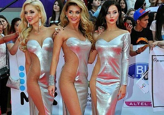 Девушки без нижниго белье фото 759-91