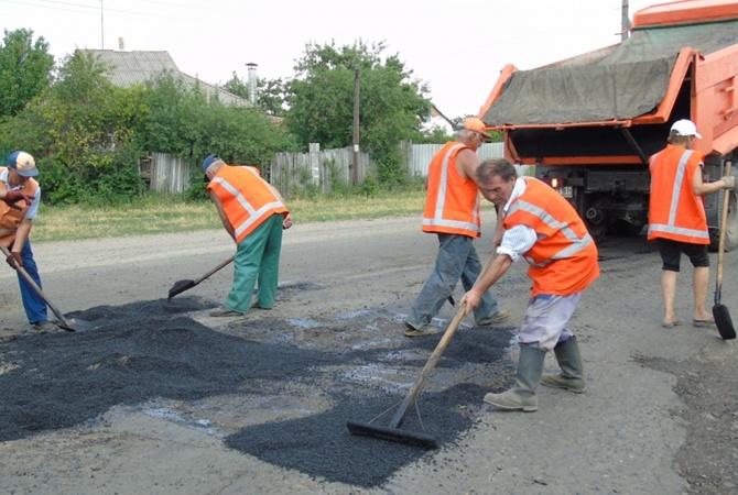 Трассу в зону АТО ремонтируют