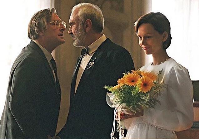 Ирина Безрукова продает свадебное платье                       В 1997 году в этом платье Ирина снималась в фильме'Коля. Ф