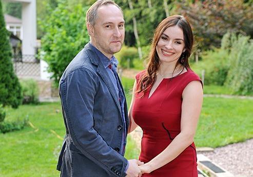 Надежда Мейхер родила девочку                       Михаил Уржумцев вместе с Надей стал папой второй дочери. У пары подраста