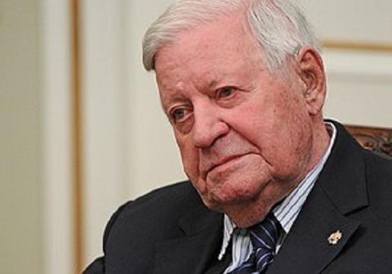 ВГермании скончался  прежний  канцлер Шмидт