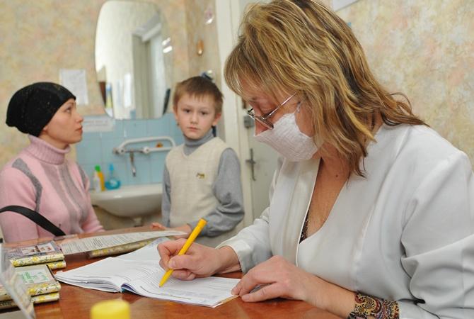В Харькове ввели масочный режим В масках должны быть медработники кассиры и даже сотрудники кинотеатр