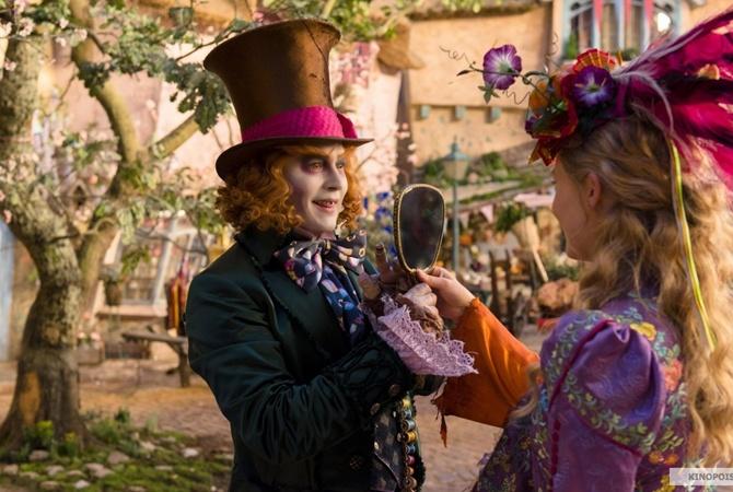 В сети появился новый трейлер к фильму «Алиса в Зазеркалье»