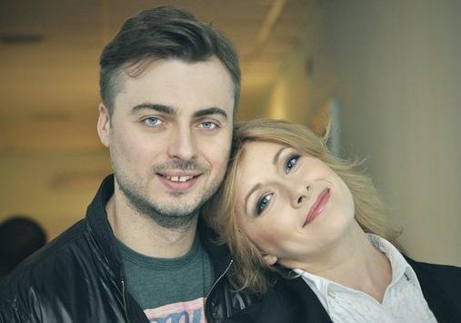 Звезда'Квартала-95 Елена Кравец ждет малыша Елена Кравец ждет второго ребенка