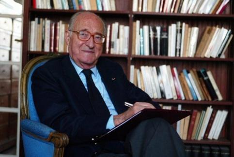 Умер известный французский историк Ален Деко Алену Деко было 90