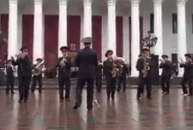 Ансамбль нацгвардии Украины исполнил хит про «лабутены» вОдессе