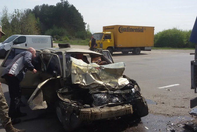 Двое военных погибли в аварии возле Ровенского полигона