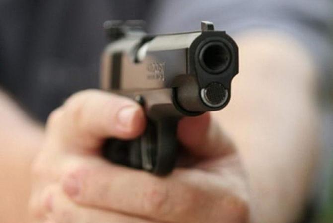 ВОболонском районе столицы Украины обстреляли полицейский патруль