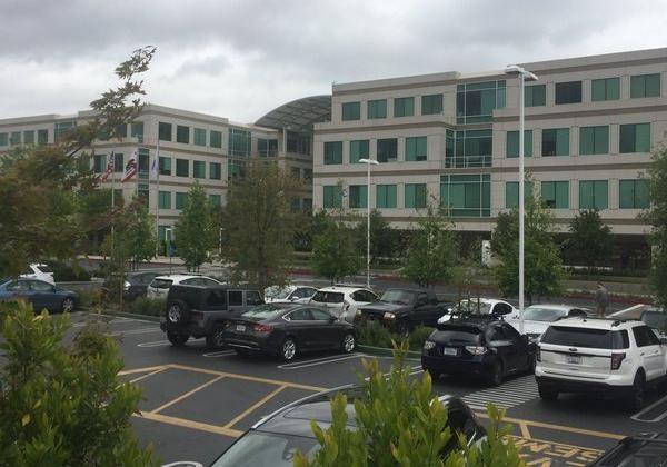 Вштаб-квартире Apple вКупертино найден труп