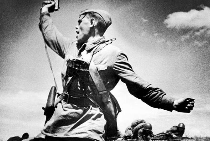 «Оппозиционный блок» требует реабилитировать Знамя Победы
