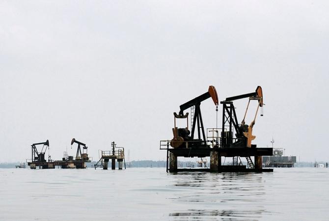 Цена нефти Brent наторгах превысила 49 долларов