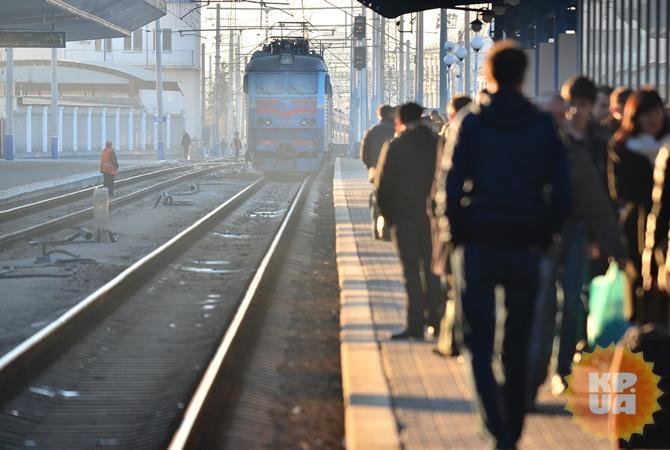 В «Укрзализныце» пояснили задержку 5-ти поездов отсутствием постельного белья