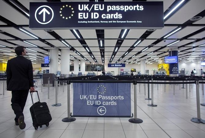ПредставительствоЕС: Евродепутаты проголосуют заотмену виз для Украинского государства осенью
