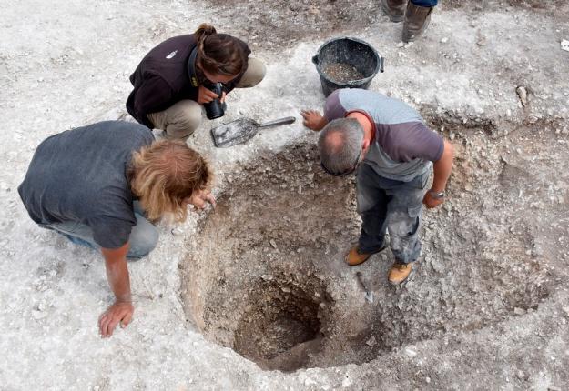 Остатки 500-метрового круга столбов обнаружили неподалеку от Стоунхенджа