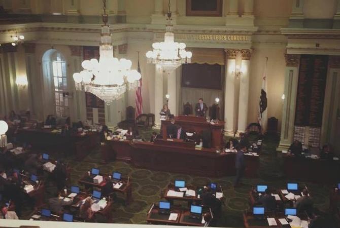 Сенат штата Калифорния принял резолюцию послучаю 25-летия независимости Украинского государства