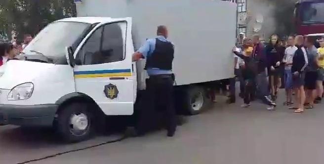 Геращенко: Полицейского, застрелившего человека вНиколаевской области, отправят вСИЗО досуда