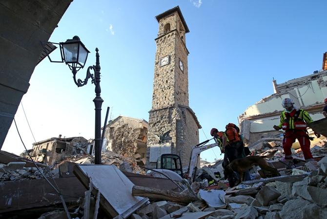 Практически 160 человек стали жертвами разрушительного землетрясения вИталии