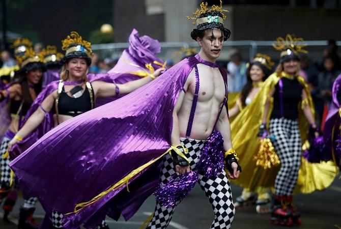 В Великобритании в 1-ый день карнавала за врачебной помощью обратили 411 человек