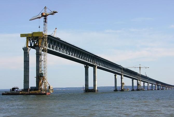 Под санкции США попали компании, строящие Керченский мост