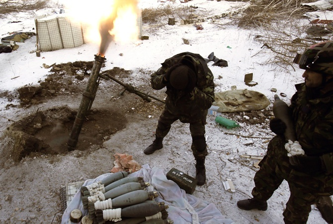 Вштабе АТО проинформировали о несоблюдении перемирия наДонбассе— Пулеметы игранатометы