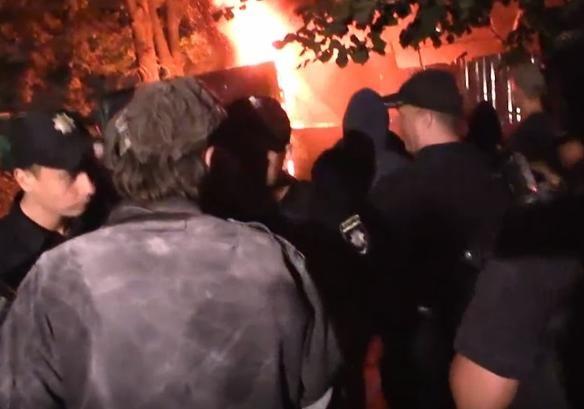 Ветераны АТО штурмовали площадку «Киевгорстроя» вСвятошинском районе столицы