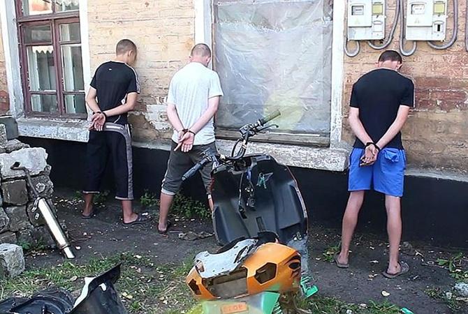Силовиков, которые поехали наоккупированный Донбасс кродне, сдали боевикам