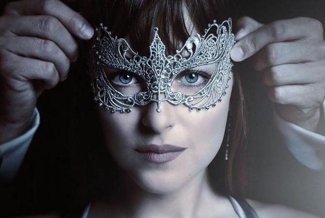Вглобальной web-сети появился 1-ый тизер к кинофильму «На50 оттенков темнее»