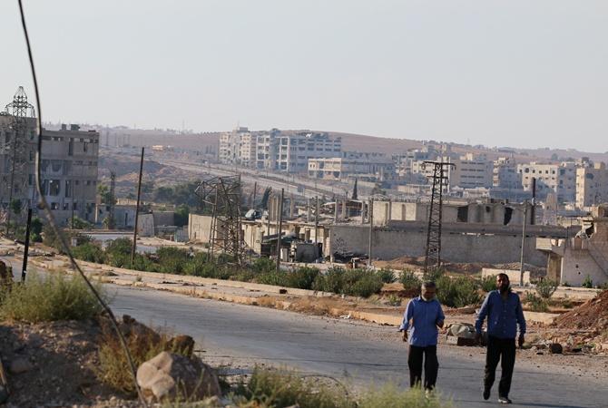 Всирийский Алеппо непускают грузовые автомобили сгуманитарной помощью изТурции