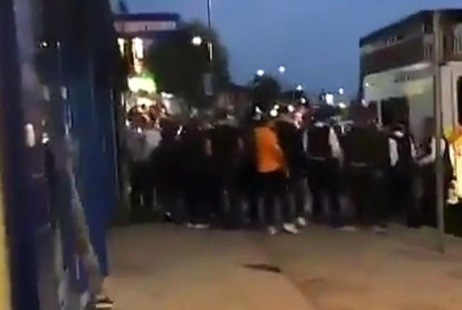 Встолице Англии вмассовой потасовке школьников пострадало два человека