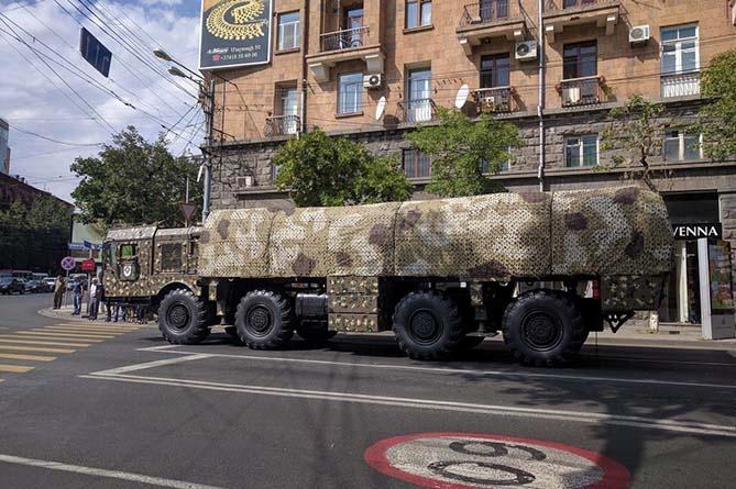 Военный парад, посвященный 25-летию независимости Армении (прямой эфир)