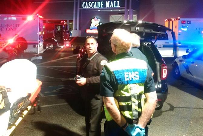 4 человека погибли в итоге стрельбы в коммерческом центре США