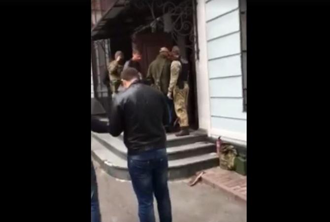 Прокуратура иСБУ поведали, почему пришли собыском кНовинскому