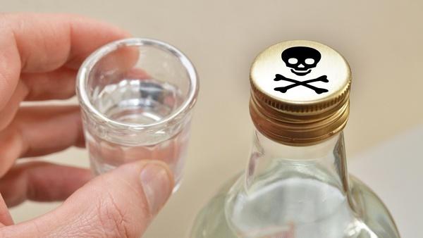 Еще 5 человек погибли ототравления спиртом изХарьковской области