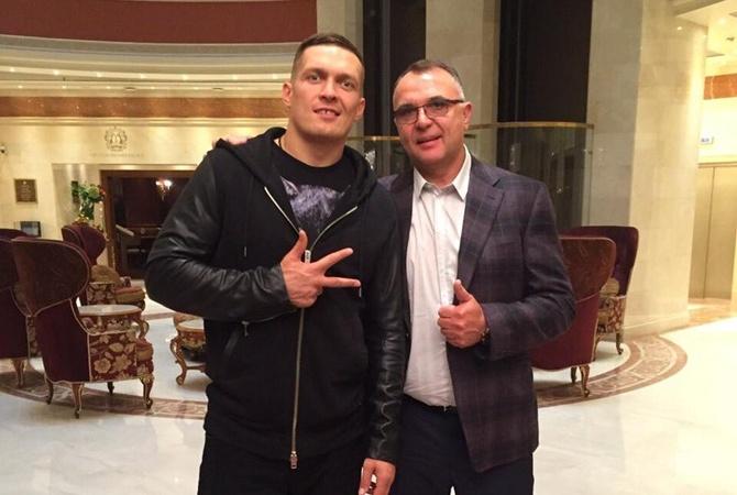 Усик начал сотрудничество сменеджером Ломаченко иГвоздика
