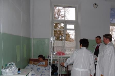 Под Черновцами свадьба завершилась отравлением 35 человек