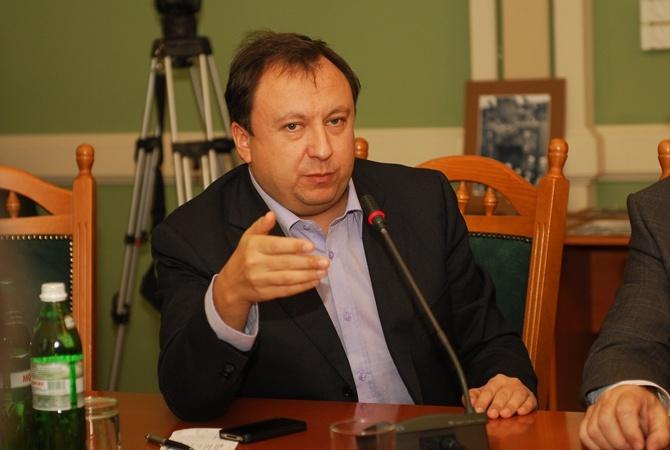 Украина небудет требовать от русских артистов отречься отКрыма