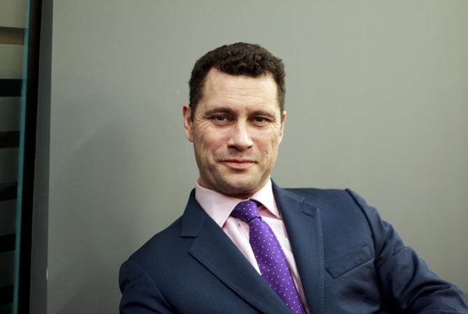 Депутат Европарламента выпал изокна после пощечины отколлеги