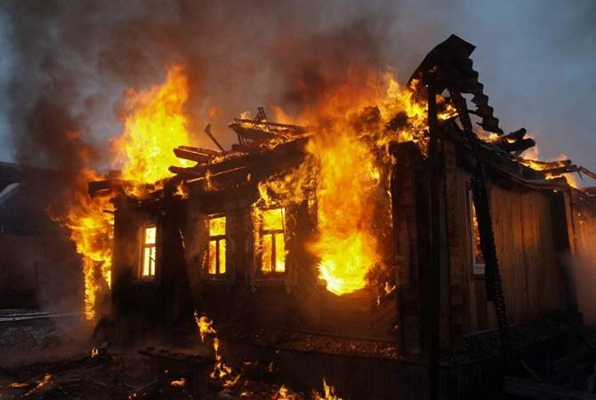 В итоге сильного пожара под Киевом погибли два ребенка