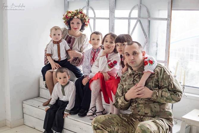 ВКиеве обстреляли АТОшника: появились фото ивидео
