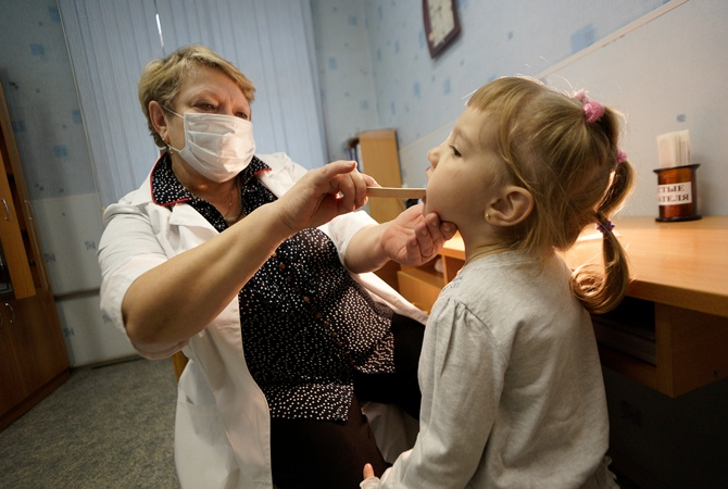 Вирус Коксаки пришел в Украинское государство имассово поражает детей
