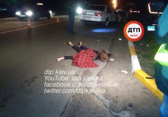 Под Киевом шофёр Вольво сбил на«зебре» 2-х девушек