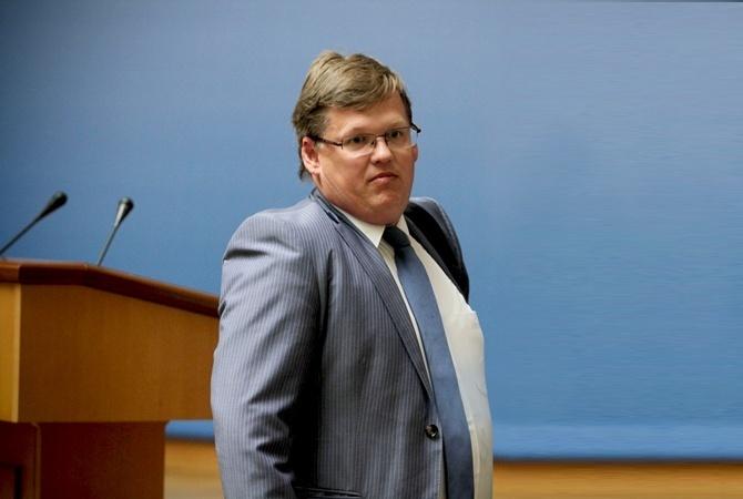Розенко первым из руководства заполнил е-декларацию